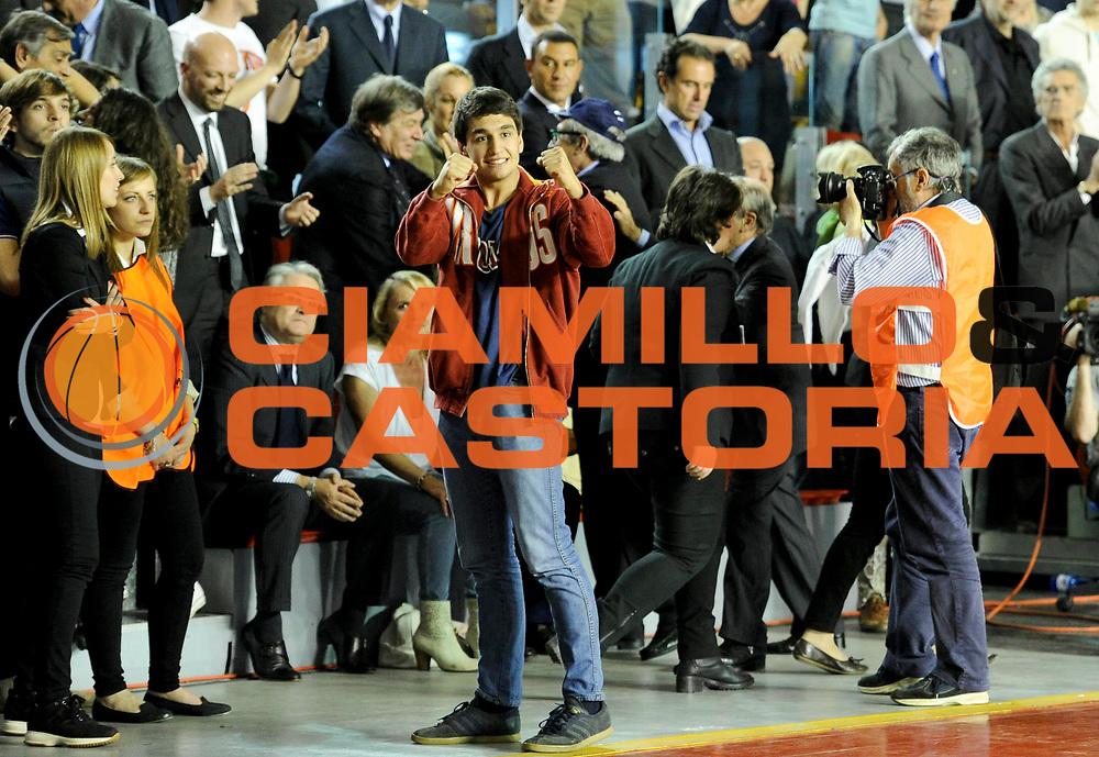 DESCRIZIONE : Roma Lega A 2012-13 Acea Virtus Roma Lenovo Cantu Gara 2<br /> GIOCATORE : Toti<br /> CATEGORIA : esultanza<br /> SQUADRA : Acea Virtus Roma<br /> EVENTO : Campionato Lega A 2012-2013 Play Off Semifinali Gara2<br /> GARA : Acea Virtus Roma Lenovo Cantu Gara 2<br /> DATA : 27/05/2013<br /> SPORT : Pallacanestro <br /> AUTORE : Agenzia Ciamillo-Castoria/N. Dalla Mura<br /> Galleria : Lega Basket A 2012-2013 <br /> Fotonotizia : Roma Lega A 2012-13 Acea Virtus Roma Lenovo Cantu Gara 2