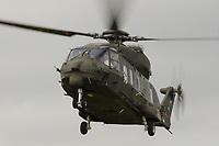 15 JUL 2002, VEITSHOECHHEIM/GERMANY:<br /> Transporthubschrauber NH 90, der zukuenftige Hubschrauber von Heer, Luftwaffe und Marine, produziert von NHIndustries,  einer europaeischen Kooperation von Eurocopter, Agusta, Stork-Fokker, Veitshoechheim<br /> IMAGE: 20020715-01-021<br /> KEYWORDS: Veitshöchheim, helicopter, in der Luft