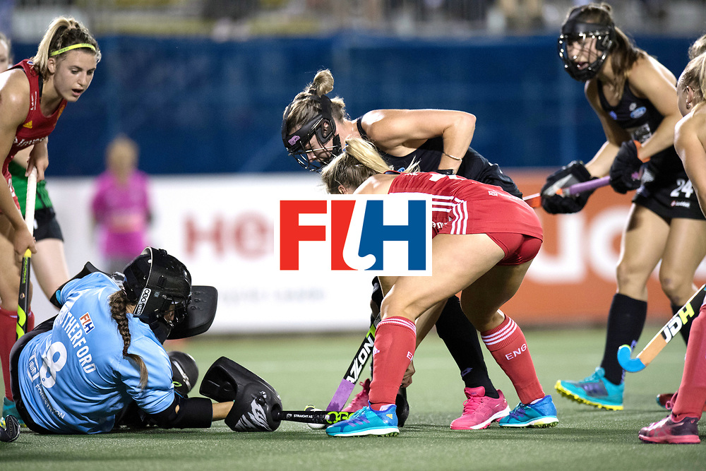 AUCKLAND - Sentinel Hockey World League final women<br /> Match id: 10310<br /> 20 ENG v NZL (Semi Final) 0-1<br /> New Zealand play the final<br /> Foto:  Sally Rutherford (Gk) stops Suzy Petty <br /> WORLDSPORTPICS COPYRIGHT FRANK UIJLENBROEK