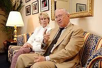 02 OCT 2006, BERLIN/GERMANY:<br /> William R. Timken jr., US-Botschafter in Deutschland, und seine ehefrau Sue, waehrend einem Interview in Timkens Buero, Botschaft der Vereinigten Staaten von Amerika <br /> William R. Timken jr., US-Ambassador in Germany, and his wife Sue, during an interview, in Timken´s office, Embassy of the United Staates of America in Berlin<br /> IMAGE: 20061002-01-011<br /> KEYWORDS: William Timken, Sue Timken