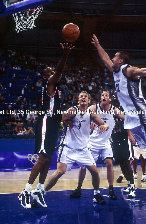 Steve Smith in action during the mens basketball match between the USA and New Zealand, 23 September 2000, Sydney Olympics.  PHOTO: PHOTOSPORT