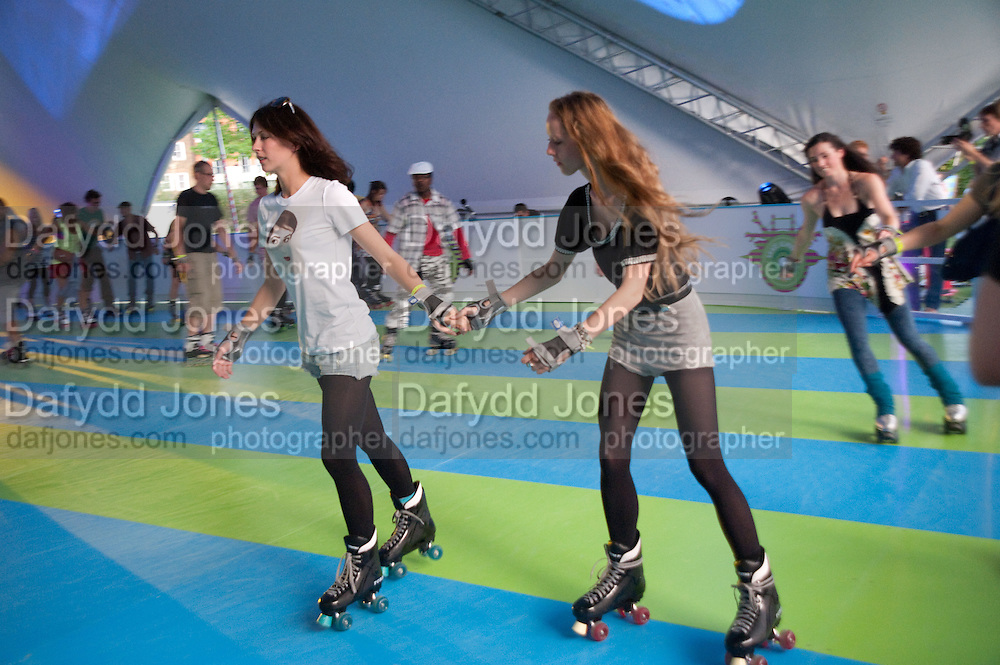 MARGOT STILLEY; MORWENNA LYTTON-COBBOLD, The launch of Nokia Skate Almighty 2009. Potters Fields. Tower Bridge. London. 5 August 2009. *** Local Caption *** -DO NOT ARCHIVE-© Copyright Photograph by Dafydd Jones. 248 Clapham Rd. London SW9 0PZ. Tel 0207 820 0771. www.dafjones.com.<br /> MARGOT STILLEY; MORWENNA LYTTON-COBBOLD, The launch of Nokia Skate Almighty 2009. Potters Fields. Tower Bridge. London. 5 August 2009.