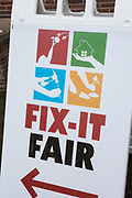 Fix-it Fair.<br /> Repair PDX hölls denna gång på en liten mässa tillsammans med andra lokala organisationer och kommunen för att ge invånarna möjlighet till allt från att laga saker till att få tips på hur de kan spara energi i hemmet eller odla sina egna grönsaker.