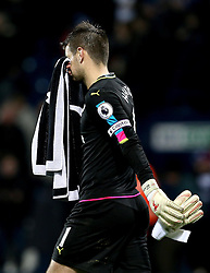 Thomas Heaton of Burnley looks dejected after the 4-0 defeat to West Bromwich Albion - Mandatory by-line: Robbie Stephenson/JMP - 21/11/2016 - FOOTBALL - The Hawthorns - West Bromwich, England - West Bromwich Albion v Burnley - Premier League