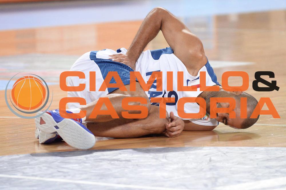 DESCRIZIONE : Lubiana Ljubliana Slovenia Eurobasket Men 2013 Finale Final Francia France Lituania Lithuania<br /> GIOCATORE : Tony Parker<br /> CATEGORIA : Infortunio<br /> SQUADRA : Francia France<br /> EVENTO : Eurobasket Men 2013<br /> GARA : Francia France Lituania Lithuania<br /> DATA : 22/09/2013 <br /> SPORT : Pallacanestro <br /> AUTORE : Agenzia Ciamillo-Castoria/Max.Ceretti<br /> Galleria : Eurobasket Men 2013<br /> Fotonotizia : Lubiana Ljubliana Slovenia Eurobasket Men 2013 Finale Final Francia France Lituania Lithuania<br /> Predefinita :