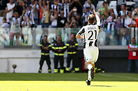 21.05.2017 - Torino - Serie A 2016/17 - 37a giornata  -  Juventus-Crotone nella  foto: Paulo Dybala esulta dopo il gol del 2 a 0