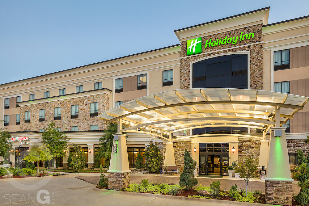 Holiday Inn in Arlington, Texas