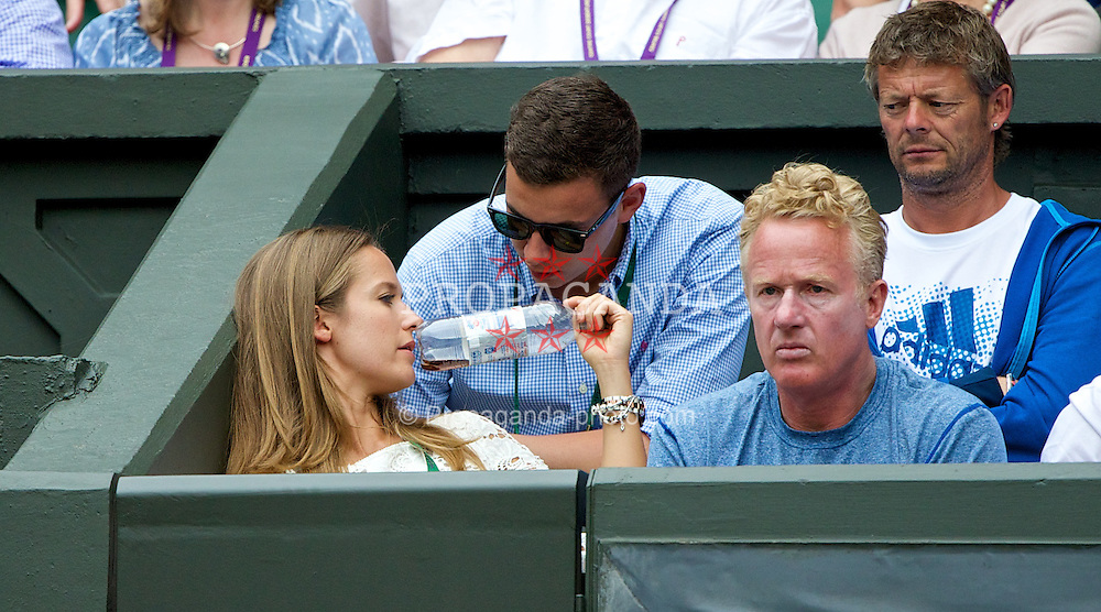 LONDON, ENGLAND - Monday, June 23, 2014: Andy Murray's girlfriend Kim Sears during the Gentlemen's Singles 1st Round match on day one of the Wimbledon Lawn Tennis Championships at the All England Lawn Tennis and Croquet Club. (Pic by David Rawcliffe/Propaganda)