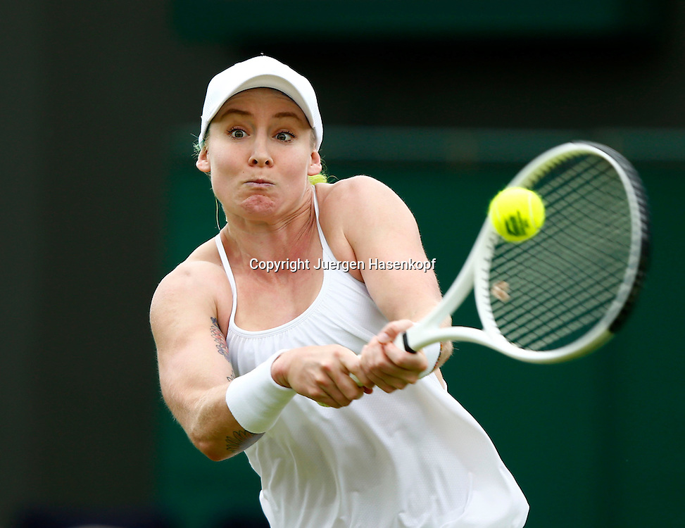 Wimbledon Championships 2013, AELTC,London,<br /> ITF Grand Slam Tennis Tournament,<br /> Bethanie Mattek-Sands (USA),Aktion,Einzelbild,Halbkoerper,Querformat,