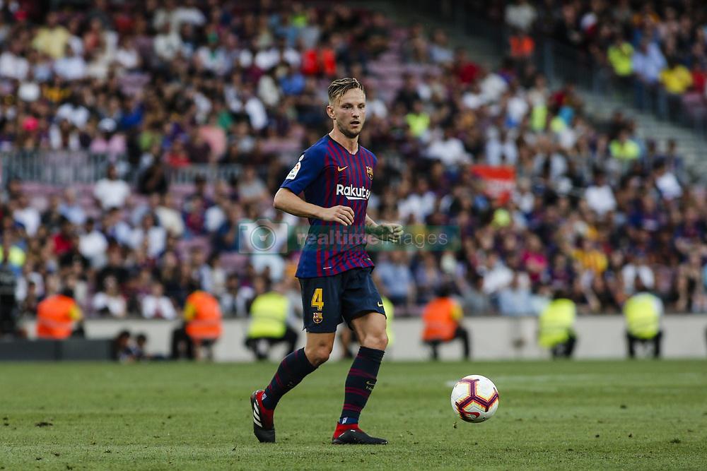 صور مباراة : برشلونة - هويسكا 8-2 ( 02-09-2018 )  20180902-zaa-n230-500