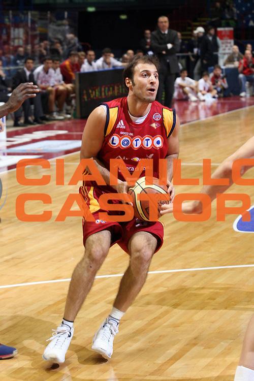 DESCRIZIONE : Milano Lega A1 2007-08 Armani Jeans Milano Lottomatica Virtus Roma<br /> GIOCATORE : Jacopo Giachetti<br /> SQUADRA : Lottomatica Virtus Roma<br /> EVENTO : Campionato Lega A1 2007-2008<br /> GARA : Armani Jeans Milano Lottomatica Virtus Roma<br /> DATA : 18/11/2007<br /> CATEGORIA : Palleggio<br /> SPORT : Pallacanestro<br /> AUTORE : Agenzia Ciamillo-Castoria/S.Ceretti