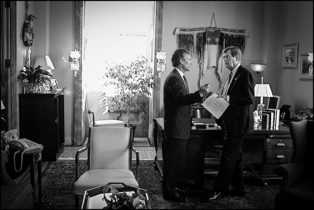Senators Tom Daschle and Trent Lott at the the end of a impromptu meeting in Daschle's office concerning the recent anthrax scare.  10/18/01..©PF BENTLEY/PFPIX.com