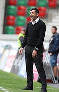 Sergio Conceição, treinador da equipa do Vitoria de Guimarães reage  durante o jogo da primeira liga portuguesa de futebol Maritimo vs Vitória de Guimarães realizado no Estádio dos Barreiros, Funchal, 17 de Abril de 2016.<br /> <br /> GREGÓRIO CUNHA/LUSA