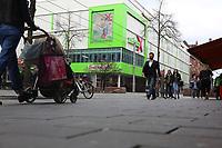 Mannheim. 20.03.17 | BILD- ID 052 |<br /> Innenstadt. K1. M&ouml;max. Schliessung der Filiale am Neckartor in der Breiten Stra&szlig;e steht bevor.<br /> <br /> Bild: Markus Prosswitz 20MAR17 / masterpress (Bild ist honorarpflichtig - No Model Release!)