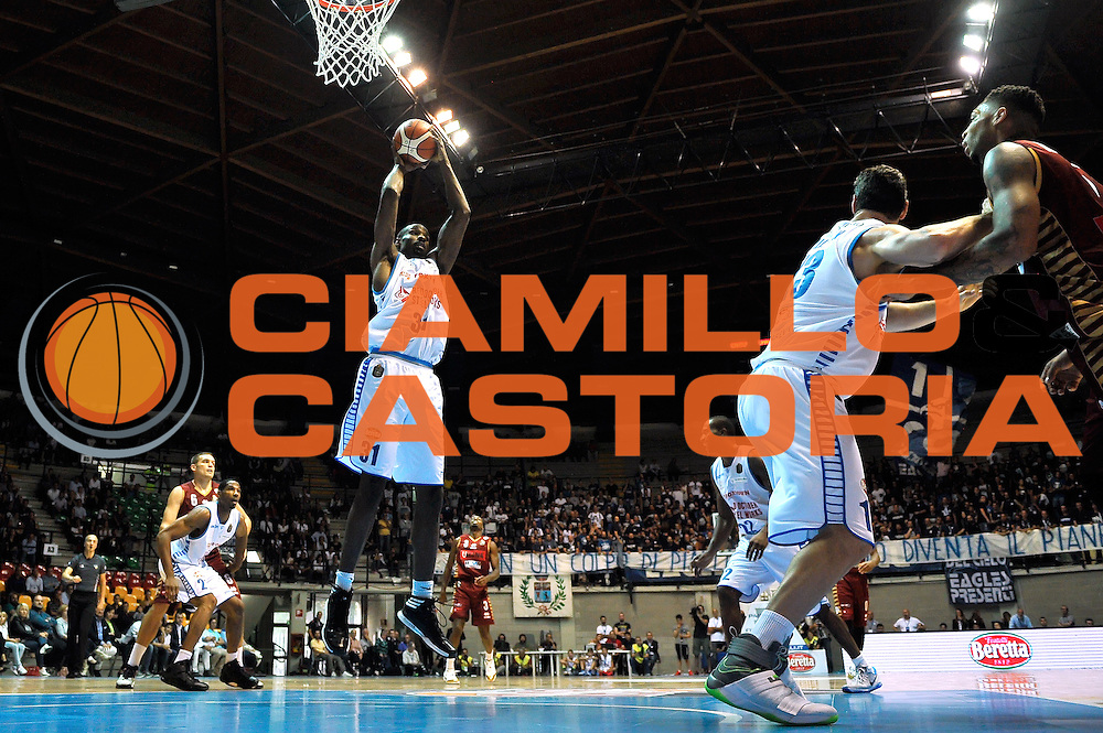 Gani Lawal<br /> Red October Cantu' Umana Reyer Venezia<br /> Basket serie A 2016/2017<br /> Milano 03/10/2016<br /> Foto Ciamillo-Castoria