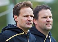ZEIST - Hoofdklasse heren; Schaerweijde-Kampong (1-2). Coaches bij Schaerweijde; Bart Looije (r) , Stephan Veen  Foto KOEN SUYK.