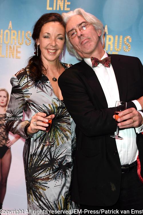 Premiere van A Chorus Line in het Zaantheater te Zaandam.<br /> <br /> Op de foto:  Frederique Sluyterman van Loo en Erik Brey