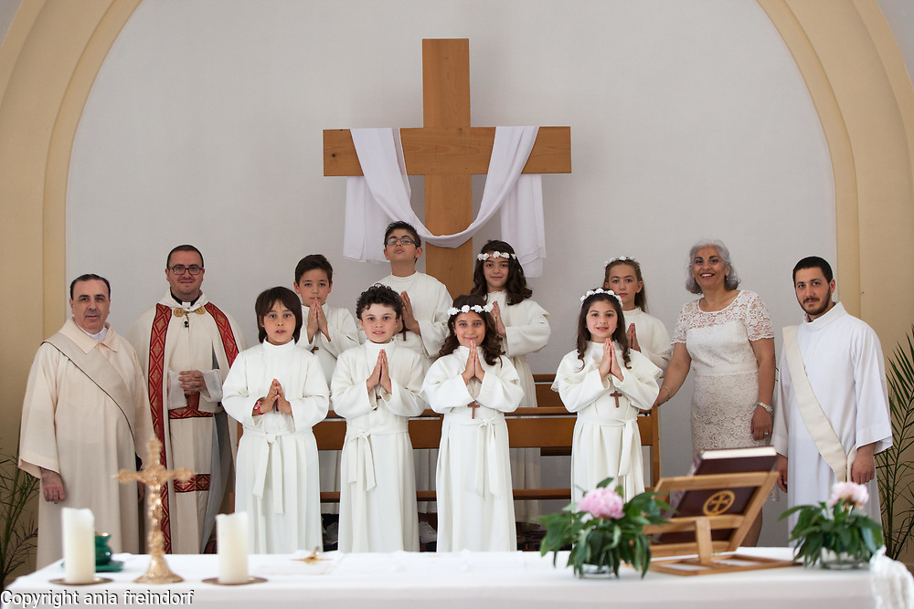 First christian church communion, christian lebanese community in France.