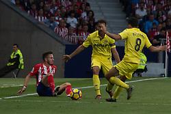 October 28, 2017 - Madrid, Spain - Fault over Saul..Draw at 1 in Wanda Metropolitano stadium. (Credit Image: © Jorge Gonzalez/Pacific Press via ZUMA Wire)