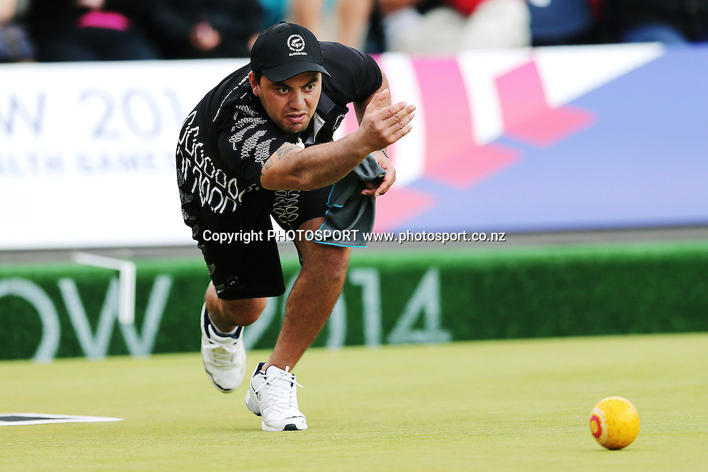 Shannon McIlroy of New Zealand competes in the Mens Singles event on Day 7. Glasgow 2014 Commonwealth Games. Lawn Bowls, Kelvingrove Lawn Bowls Centre, Glasgow, Scotland. Thursday 31 July 2014. Photo: Anthony Au-Yeung / photosport.co.nz