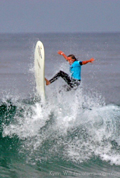 Kelly Nicely, semi-finalist at the 3rd Annual Roxy Jam Linda Benson Women's World Longboard Professional, 2008, Cardiff by the Sea, California.