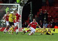 Photo: Mark Stephenson/Richard Lane Photography.<br /> Watford v Charlton Althetic. Coca Cola Championship. 19/01/2008. Chalton's Matt Holland cleares the ball