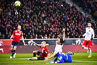 Simon KJAER / Goal de Edinson CAVANI / Vincent ENYEAMA - 03.12.2014 - Lille / Paris Saint Germain - 16eme journee de Ligue 1 -<br />