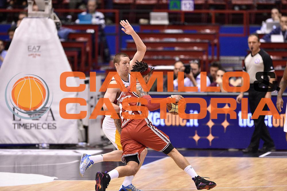 DESCRIZIONE : Milano Lega A 2014-15 <br /> EA7 Olimpia Milano - Acea Virtus Roma<br /> GIOCATORE : Maxime De Zeeuw<br /> CATEGORIA : difesa <br /> SQUADRA : EA7 Olimpia Milano<br /> EVENTO : Campionato Lega A 2014-2015 <br /> GARA : EA7 Olimpia Milano - Acea Virtus Roma<br /> DATA : 12/04/2015<br /> SPORT : Pallacanestro <br /> AUTORE : Agenzia Ciamillo-Castoria/GiulioCiamillo<br /> Galleria : Lega Basket A 2014-2015  <br /> Fotonotizia : Milano Lega A 2014-15 EA7 Olimpia Milano - Acea Virtus Roma