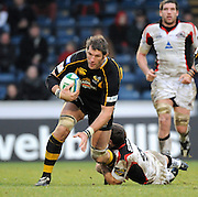 Wycombe, GREAT BRITAIN, Wasps' Simon SHAW, tackled low, Mike BLAIR, during the Guinness Premiership game, London Wasps vs Sale Sharks 15.04.2008 [Mandatory Credit Peter Spurrier/Intersport Images]