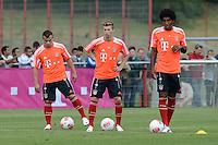 FUSSBALL  1. BUNDESLIGA   SAISON  2012/2013   Trainingsauftakt beim FC Bayern Muenchen 03.07.2012 Xherdan Shaqiri (li) und Mitchell Weiser (re, beide Bayern Muenchen)