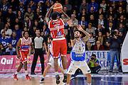 DESCRIZIONE : Campionato 2015/16 Serie A Beko Dinamo Banco di Sardegna Sassari - Consultinvest VL Pesaro<br /> GIOCATORE : Trevor Lacey<br /> CATEGORIA : Tiro Tre Punti Three Point Controcampo Ritardo<br /> SQUADRA : Consultinvest VL Pesaro<br /> EVENTO : LegaBasket Serie A Beko 2015/2016<br /> GARA : Dinamo Banco di Sardegna Sassari - Consultinvest VL Pesaro<br /> DATA : 23/11/2015<br /> SPORT : Pallacanestro <br /> AUTORE : Agenzia Ciamillo-Castoria/L.Canu