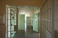 06 AUG 2014, BERLIN/GERMANY:<br /> Nicht belegter Trakt, Abschiebungsgewahrsam der Berliner Polizei in Berlin-Koepenick, Gruenauer Strasse 140<br /> IMAGE: 20150806-01-021<br /> KEYWORDS: Köpenick, Abschiebungshaft, Abschiebeknast, Abschiebehaft, Polizeiabschiebehaftanstalt, Grünau; Gruenau