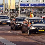 NLD/Amsterdam/20081203 - Uitreiking Prins Claus prijzen 2008, aankomst Koninklijke familie