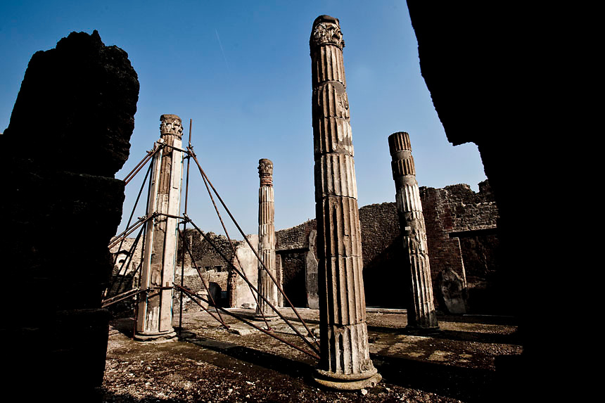 Damaged columns stand at Pompeii's House of the Faun.Nearly 4 month after the collapse of the House of the Gladiators and then of a wall at the House of the Moralist, Pompeii still faces neglet and mismanagement.Now the Italian government has begun to investigate the matter. Nine people are to be questioned, although Marcello Fiori, the emergency commissioner who was appointed to save the site in 2008, is conspicuously absent from the group.Those who will be grilled by the public prosecutor include the former superintendent of Naples and Pompeii, the site director who oversaw the waterproofing of the House of the Gladiators, the head of technical services at Pompeii, and an architect. The investigation will also examine Fiori's administration, which ended in July, including its use of government funds, which many critics have seen as wasteful and ineffective.