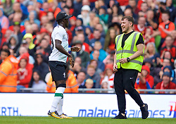 DUBLIN, REPUBLIC OF IRELAND - Saturday, August 5, 2017: Liverpool's Sadio Mane wears the cap of a steward during a preseason friendly match between Athletic Club Bilbao and Liverpool at the Aviva Stadium. (Pic by David Rawcliffe/Propaganda)