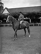 05/08/1952<br /> 08/05/1952<br /> 5 August 1952<br /> <br /> Fennell, J., Rathkeale, Co. Limerick on Number 100 at the RDS Horse Show