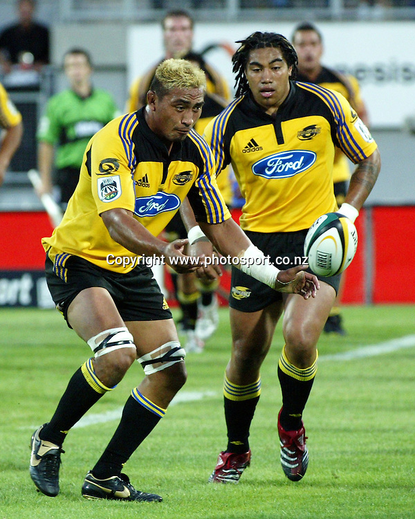 Hurricanes flanker Jerry Collins during the 2006 Super 14 rugby union match between the Hurricanes and the Western force at Yarrow Stadium, New Plymouth, on Saturday 18 February, 2006. Photo: David Fairey/PHOTOSPORT<br />