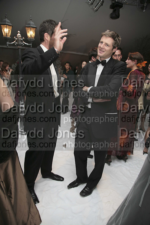 James Johnstone and Zac Goldsmith, British Red Cross Ball, Waterloo. London. 16 November 2006.  TIME USE ONLY - DO NOT ARCHIVE  © Copyright Photograph by Dafydd Jones 66 Stockwell Park Rd. London SW9 0DA Tel 020 7733 0108 www.dafjones.com
