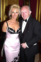 MR & MRS PAUL DANIELS, he is the magician, <br /> at a dinner in London on 21st June 2000.OFR 56<br /> © Desmond O'Neill Features:- 020 8971 9600<br />    10 Victoria Mews, London.  SW18 3PY <br /> www.donfeatures.com   photos@donfeatures.com<br /> MINIMUM REPRODUCTION FEE AS AGREED.<br /> PHOTOGRAPH BY DOMINIC O'NEILL