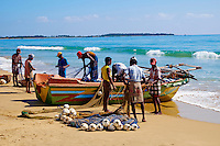 Sri Lanka, province de l'Est, Passikudah, plage de Kalkudah, pêcheurs // Sri Lanka, Ceylon, Eastern Province, East Coast, Passekudah, Kalkudah beach, fishermen
