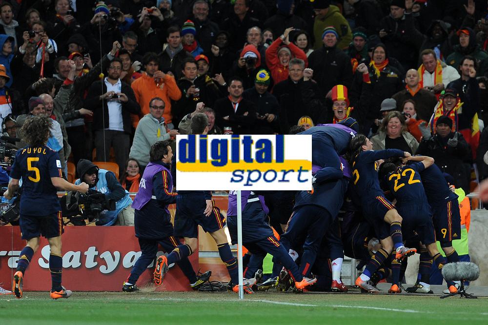 FOOTBALL - FIFA WORLD CUP 2010 - FINAL - NETHERLANDS v SPAIN - 11/07/2010 - PHOTO FRANCK FAUGERE / DPPI - JOY SPAIN AFTER THE ANDRES INIESTA'S GOAL