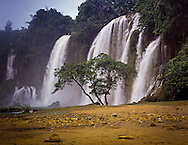 Ban Gioc waterfalls, Trung Khanh District, Cao Bang Province, Vietnam, Southeast Asia