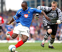 Fotball<br /> FA Barclays Premiership<br /> Portsmouth v Southampton<br /> 24. april 2005<br /> Foto: Digitalsport<br /> NORWAY ONLY<br /> Portsmouth's Lua Lua scores the third goal.