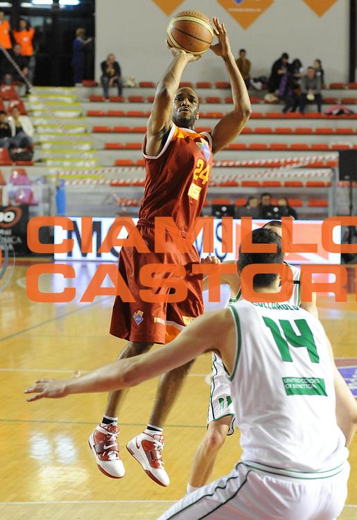 DESCRIZIONE : Roma Lega A 2011-12  Acea Virtus Roma Benetton Treviso<br /> GIOCATORE : Clay Tucker<br /> CATEGORIA : three points<br /> SQUADRA : Acea Virtus Roma<br /> EVENTO : Campionato Lega A 2011-2012<br /> GARA : Acea Virtus Roma Benetton Treviso<br /> DATA : 01/04/2012<br /> SPORT : Pallacanestro<br /> AUTORE : Agenzia Ciamillo-Castoria/GiulioCiamillo<br /> Galleria : Lega Basket A 2011-2012<br /> Fotonotizia : Caserta Lega A 2011-12 Acea Virtus Roma Benetton Treviso<br /> Predefinita :