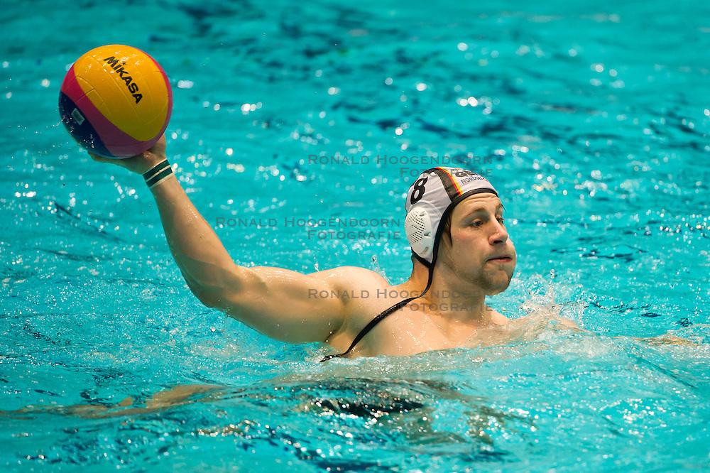 21-01-2012 WATERPOLO: EC GERMANY - CROATIA: EINDHOVEN<br /> European Championships Germany - Croatia / Paul Schueler GER<br /> (c)2012-FotoHoogendoorn.nl / Peter Schalk