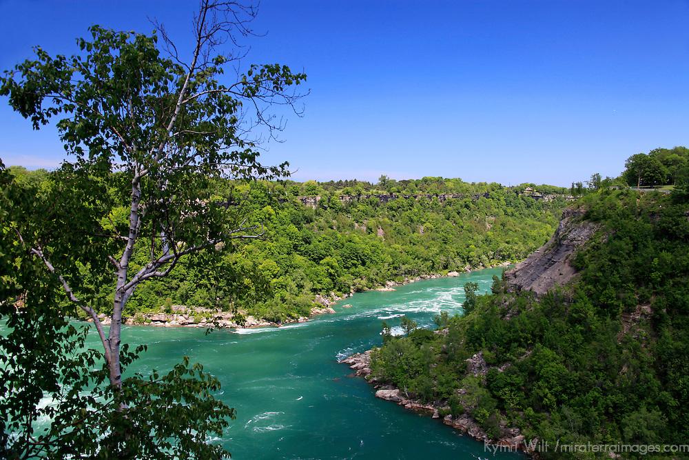 North America, Canada, Ontario. Niagara Falls river bend.