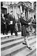 Bagpiper: Glenn Ellisa at Malcolm Farbes memorial service. 1st March 1990© Copyright Photograph by Dafydd Jones 66 Stockwell Park Rd. London SW9 0DA Tel 020 7733 0108 www.dafjones.com