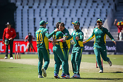 Dale Steyn of SA celebrates a wicket with Quinton de Kock and other team mates during the 2nd ODI match between South Africa and Australia held at The Wanderers Stadium in Johannesburg, Gauteng, South Africa on the 2nd October  2016<br /> <br /> Photo by Dominic Barnardt/ RealTime Images