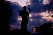 Domingos Martins_ES, Brasil...Silhueta de um trabalhador rural da regiao em um trecho da Rota imperial da Estrada Real, antiga estrada de Dom Pedro de Alcantra...A farmhand silhouette in the Ancient Rota Imperial, know as Dom Pedro de Alcantara Road...Foto: LEO DRUMOND / NITRO