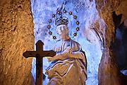Palermo statua di Santa Rosalia nella grotta di monte Pellegrino.<br /> Palermo statue of Saint Rosalia in the cave of Pellegrino Mount .